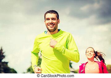 wyścigi, para, uśmiechanie się, outdoors