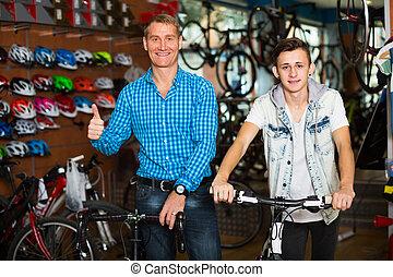 wybierając, ojciec, rower, store., syn