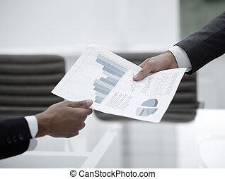 wykresy, dyskutując, finansowy, handlowy zaludniają