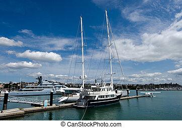 Wynyard Wharf Auckland New Zealand - AUCKLAND - OCT 06:Super...