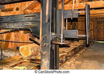 wyrabianie z drewna, w, przedimek określony przed rzeczownikami, tartak