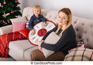 xριστούγεννα , υιόs , δέντρο , μητέρα , κάθονται