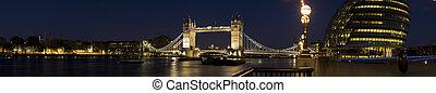 XXL - City Hall and Tower Bridge at twilight.