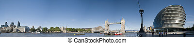 XXXL- Tower Bridge, City Hall - Panoramic picture of Central...