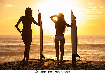 y, niñas, tablista, biquini, playa puesta sol, tablas de surf, mujeres