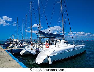 yacht, cienfuegos, marin, cuba