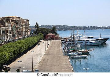 Yacht Harbor Syracuse - the yacht harbor on the Ortygia...