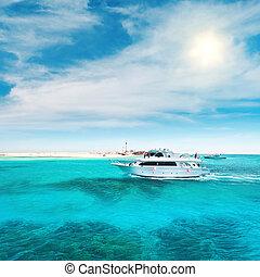 yacht, in, oceano