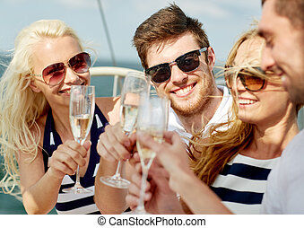 yacht, lächeln, champagner, friends, brille