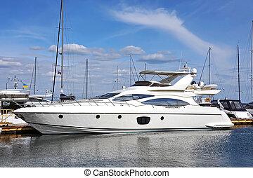 yacht, moteur
