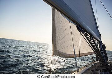 yacht, navigazione, su, mare, durante, tramonto