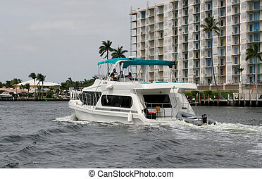 Yacht Past Condos