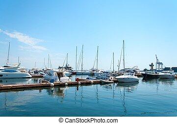 yachts, port maritime