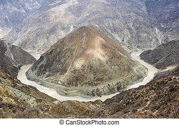Yangtze River of China - Yangtze River or Chang Jiang is the...