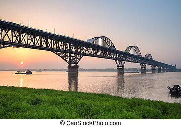 yangtze rzeka, most, w, zachód słońca