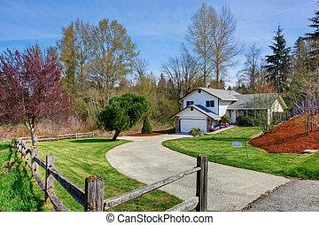 yard, maison, allée, devant, exterior., vue