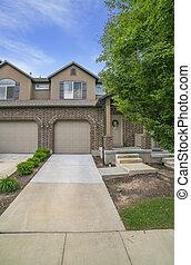 yard, porche, fenetres, mur, façade, maison, grenier, brique, affiché