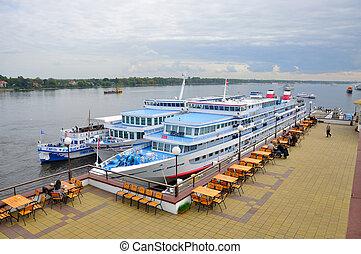 YAROSLAVL, RUSSIA - SEP 10: Motor ships in Volga river