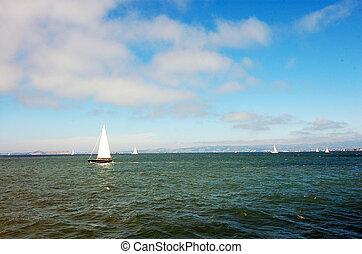 yates, océano pacífico