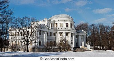 Yelagin palace in Sankt-Peterburg - Yelagin palace in winter...