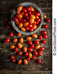 Grape Tomatoes - Yellow and Red Grape Tomatoes Shot from...