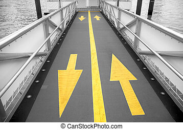 Yellow arrow to the boat
