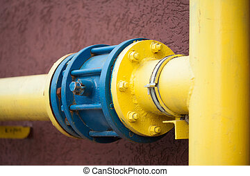 yellow gas pipe