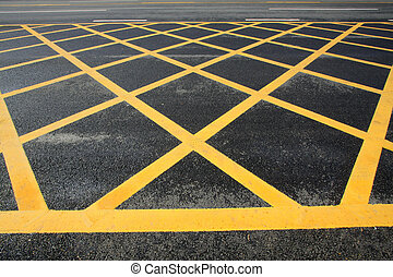 yellow grid lines on the highway