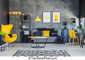 Yellow interior decor for teenager