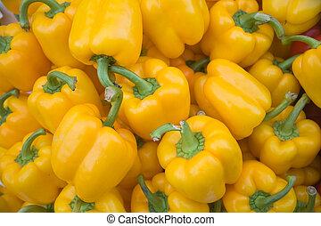 Yellow pepper vegetables