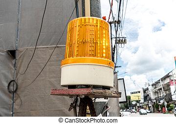 Yellow siren light