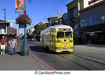 Yellow tram - SAN FRANCISCO, CA, USA - SEPTEMBER 24: Yellow...