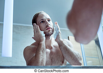 yeux bleus, barbu, sien, mousse, figure, mettre, homme, rasage, beau