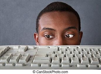 yeux, homme, au-dessus, clavier