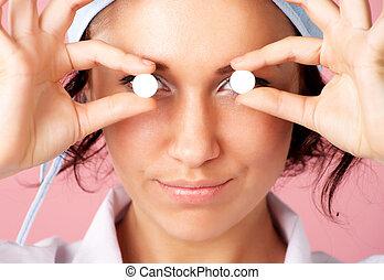 yeux, sur, jeune, pilules, closeup, portrait, infirmière, projection
