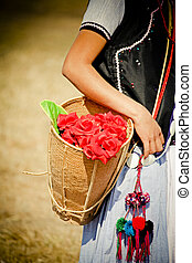 yobin, femme, baket, fleurs, tribu