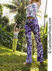 yoga., άσκηση , γυναίκεs