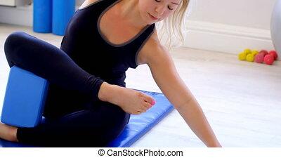 yoga, 4k, femme, fitness, studio