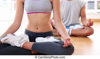 yoga brengen onder, zittende , in, lotus, positio
