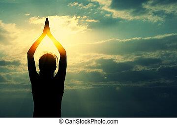 yoga, donna, meditazione, alba