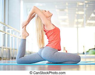 yoga, en, gimnasio