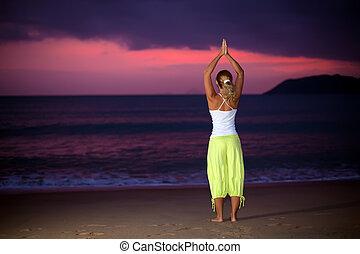 yoga, en, salida del sol, tiempo