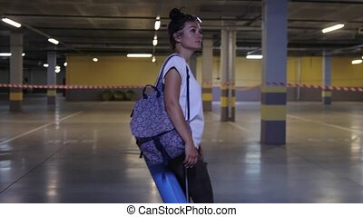 yoga, femme, mat., sport, adolescent, stationnement, style de vie, dehors, intérieur, urbain, sac à dos, tenue, girl, garage., marche, ville, concept