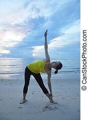 yoga, femme, plage
