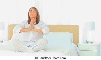 yoga, femme, vieilli