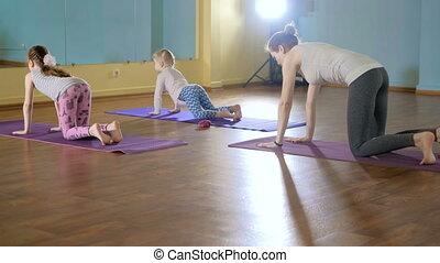 yoga, fitness, ensemble, studio, 4k, mère, daughtersr