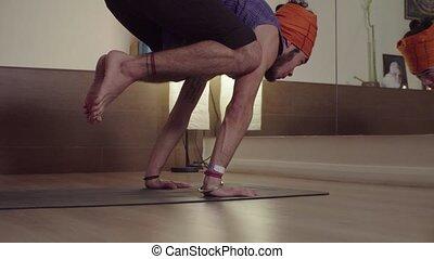 yoga, -, jeune, asana, bakasana, homme