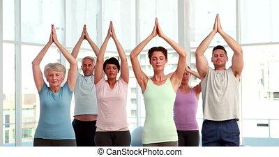 yoga klasa, czyn, poza drzewa, razem