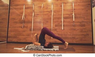 yoga, kobieta, sędziwy