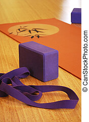 : Yoga mat, block and strap
